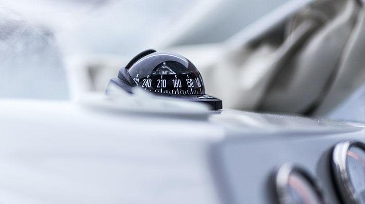 bezpečnosť vozidiel - ilustračný obrázok gyroskop
